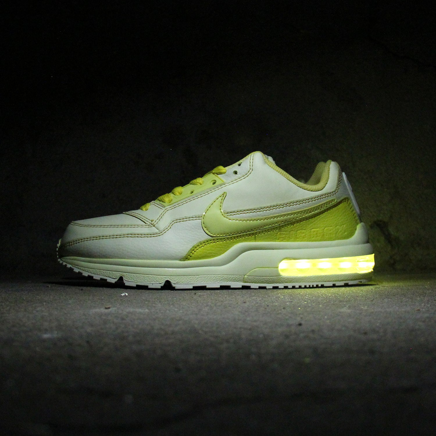 YELLOW DIP-DYED NIKE AIR MAX LTD WITH LIGHTS - Evolved Footwear