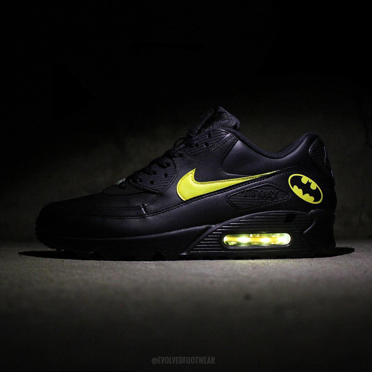 finest selection b7dea af161 ... BATMAN NIKE AIR MAX 90 WITH YELLOW LED LIGHTS . ...