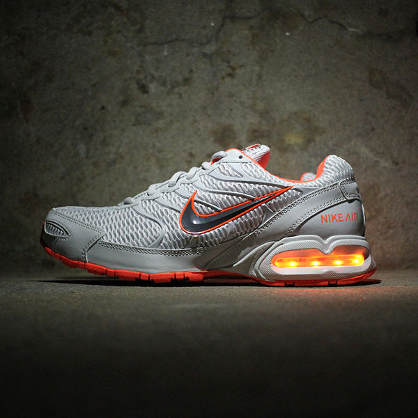hot sale online 3e8b0 1a5d9 white nike air max ltd with continuous lights