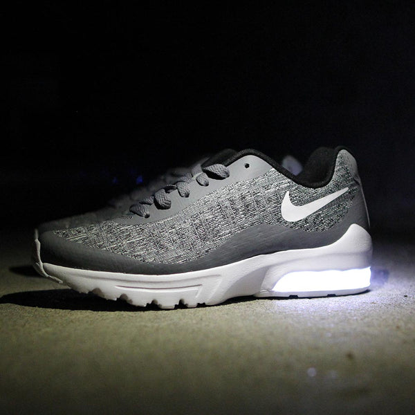 WOMENS GRAY KNIT NIKE AIR MAX INVIGOR WITH LIGHTS