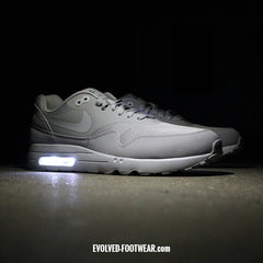 NIKE AIR MAX 1 ULTRA ESSENTIAL WITH LIGHTS