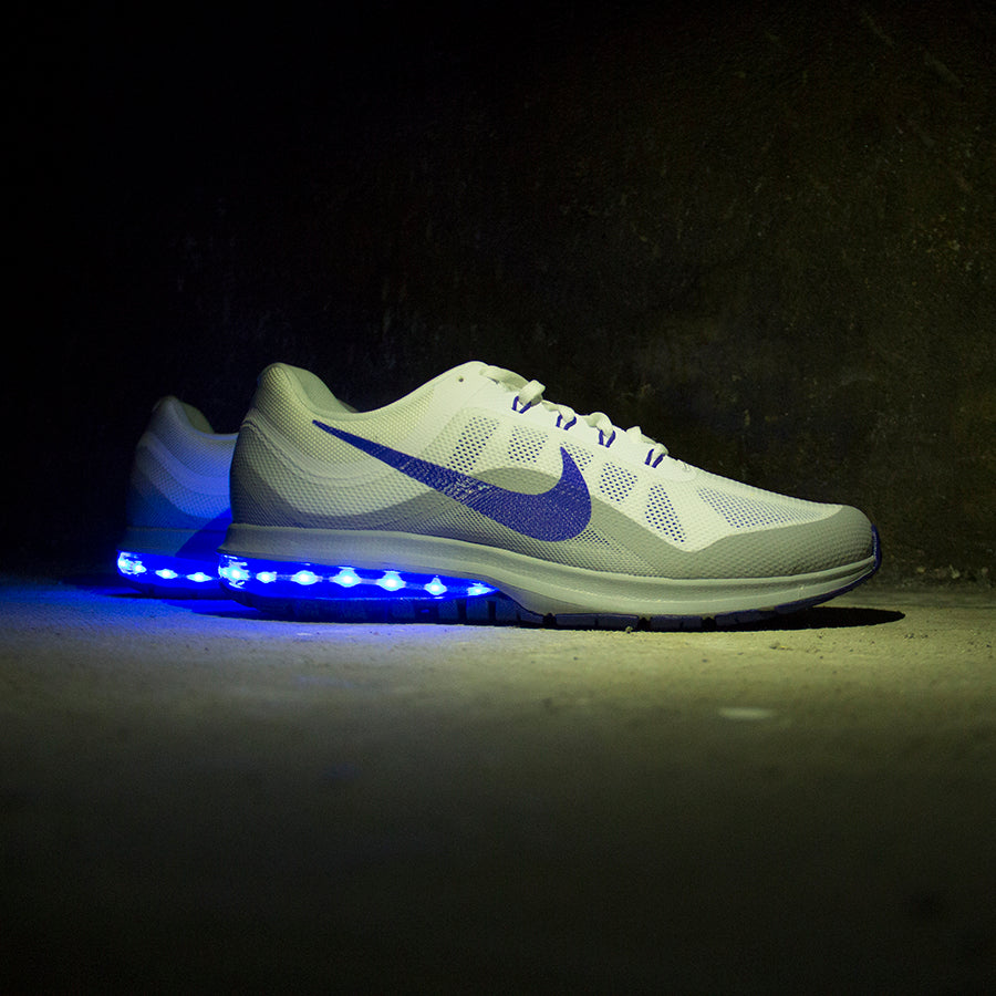 official photos 5ef97 1c720 BLUE NIKE AIR MAX DYNASTY 2 WITH LIGHTS