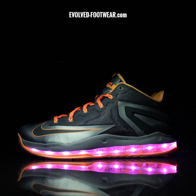 NIKE LEBRON XI LOW MAX WITH PINK LIGHTS