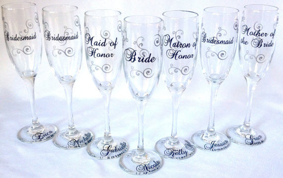 burgundy and white bridesmaids champagne flutes