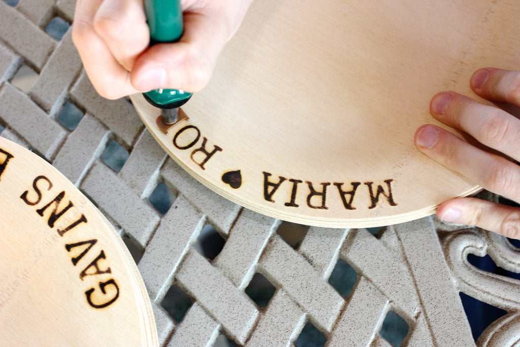 Personalized Wedding Ideas for Your Dinnerware