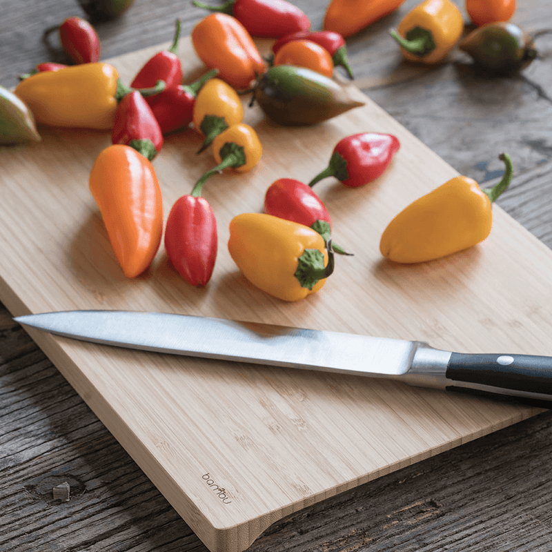 Undercut Series Cutting Board with peppers - bambu