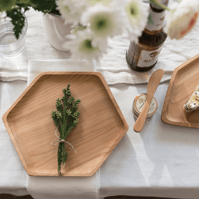 Mini Spreaders, set of 4, with cedar tray - bambu