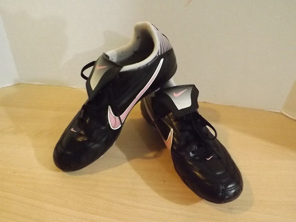 Soccer Shoes Cleats Child Size 4 Nike Black Pink