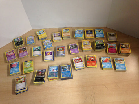 1193 Huge Vintage and Modern Pokemon Cards