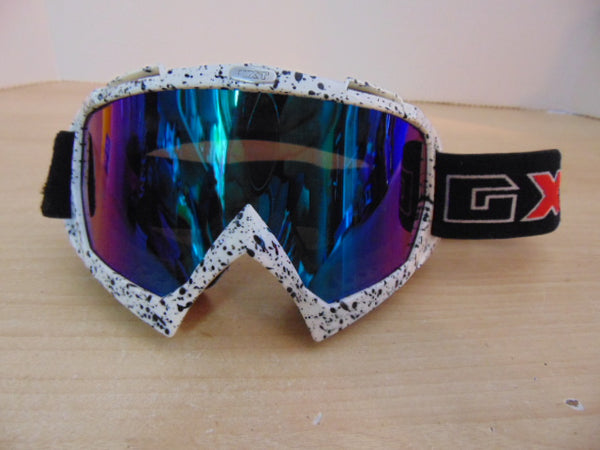 Ski Goggles Adult Size GTX Black White Red New Demo Model