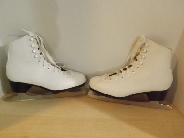 Figure Skates Child Size 5 CCM Competition