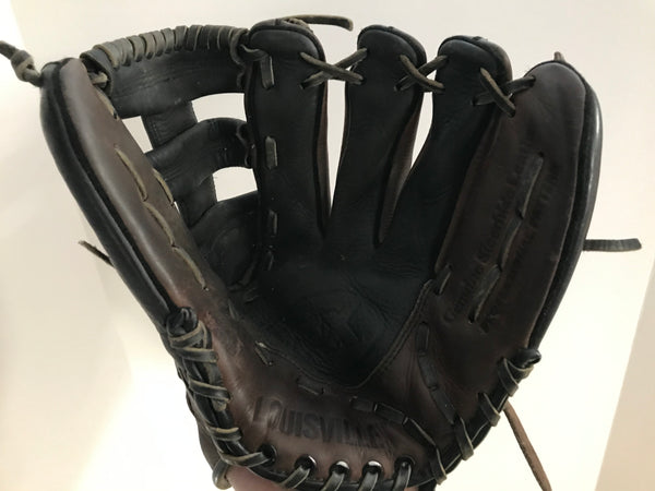 Baseball Glove Adult Size 12 inch  Lousiville Slugger  Black Brown  Leather Fits on Left Hand