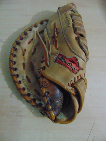 Baseball Glove Adult Size 11 inch Youth First Basemen's MacGregor Leather Fits on RIGHT Hand