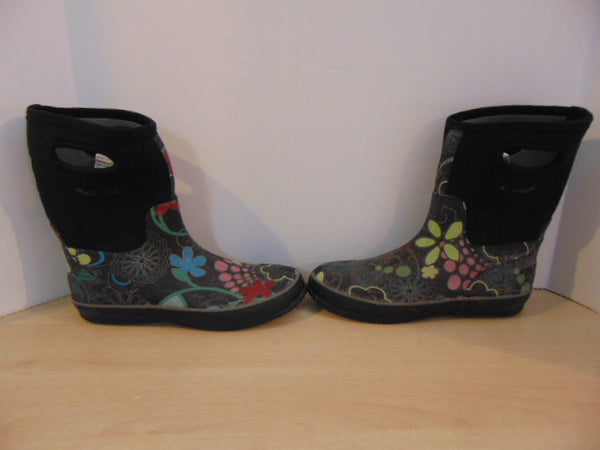 Bogs Style Ladies Size 9 Black Blue Multi Minor Wear
