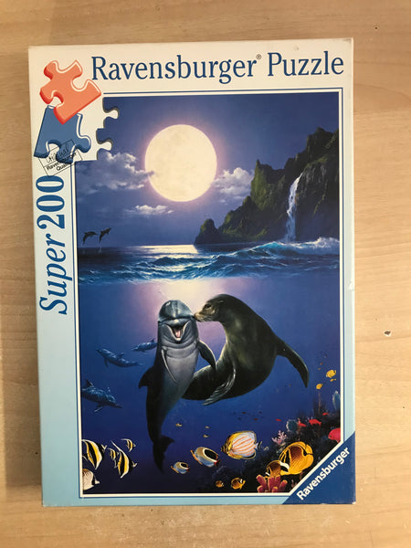 Child Jigsaw Puzzle Ravensburger 200 pc Kissing In The Moonlite Dolphines