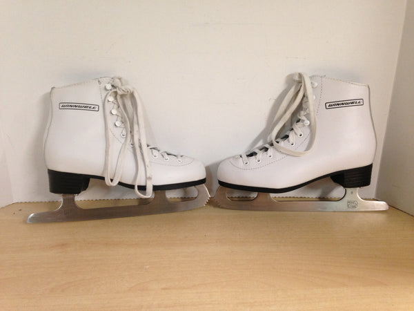 Figure Skates Child Size 4 Winnwell Excellent