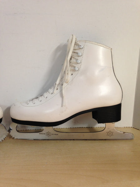 Figure Skates Ladies Size 6 Ice Lift Leather With MK Blades Made In England Minor Marks