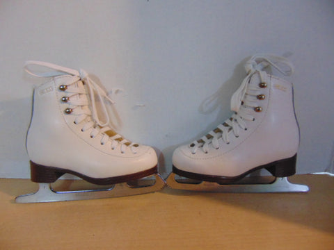 Figure Skates Child Size 10 C GAM 1121 Leather Excellent Fantastic Quality