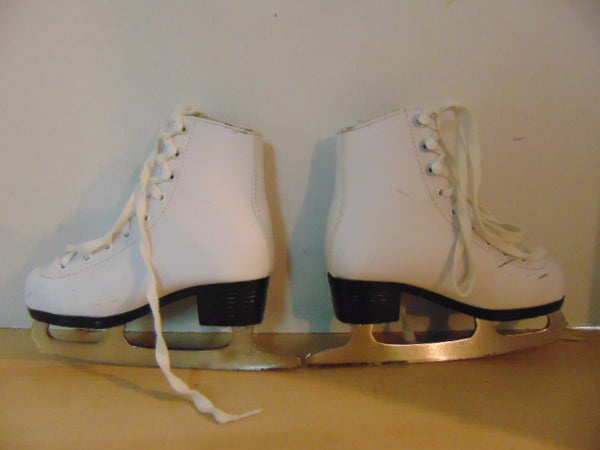 Figure Skates Child Size 11 Winnwell Minor Wear