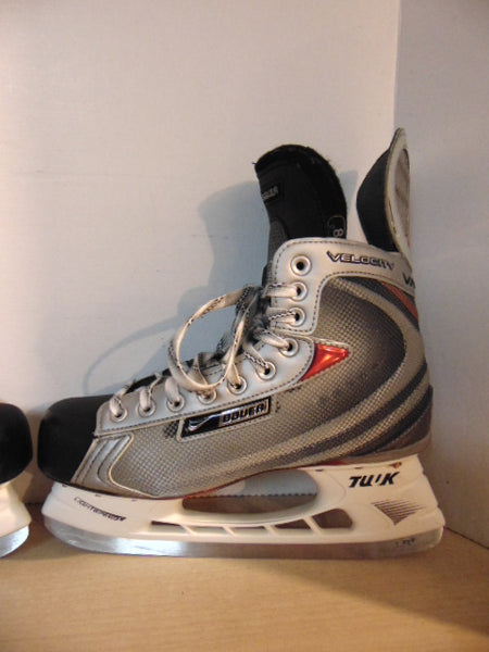 Hockey Skates Men's Size 9.5 Shoe Size Bauer Nike Vapor Velocity New Demo Model