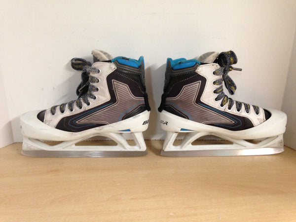 Hockey Goalie Skates Child Size 4.5 Shoe Size Bauer 5000 Minor Wear
