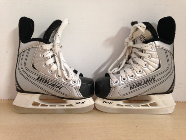 Hockey Skates Child Size 8 Toddler Shoe Size Bauer 22 As New