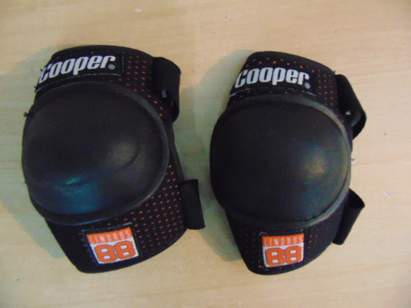 Hockey Elbow Pads Child Size Y Large 5-6 Cooper As New