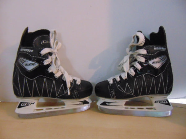 Hockey Skates Child Size 11 Shoe Size CCM Intruder