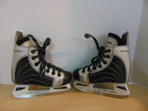 Hockey Skates Child Size 11 Shoe Size Koho 232 Minor Wear