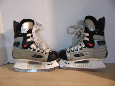 Hockey Skates Child Size 12 Shoe Size Bauer Vapor