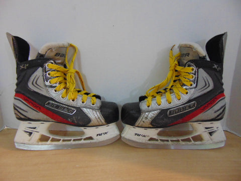 Hockey Skates Child Size 2.5 Shoe Size Bauer Vapor X .20 Some Wear