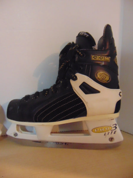 Hockey Skates Child Size 5.5 Shoe Size CCM Tacks