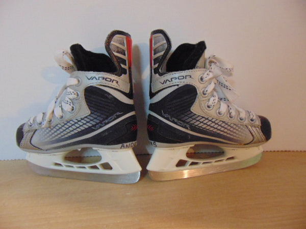 Hockey Skates Child Size 9 Toddler Shoe Size Bauer Vapor