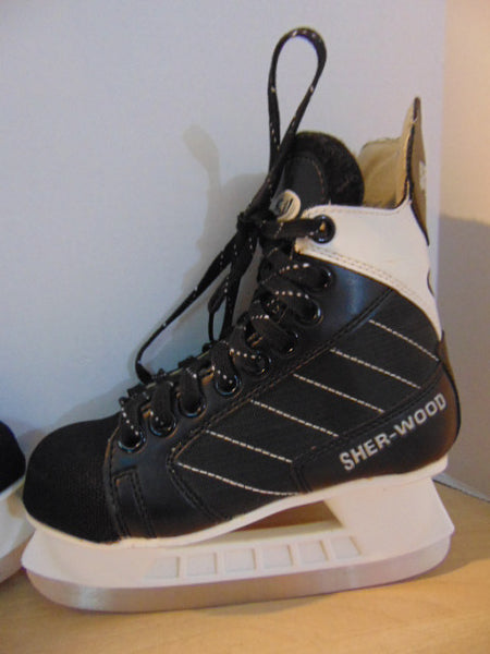 Hockey Skates Child Size 2 Shoe Size Sherwood 5500