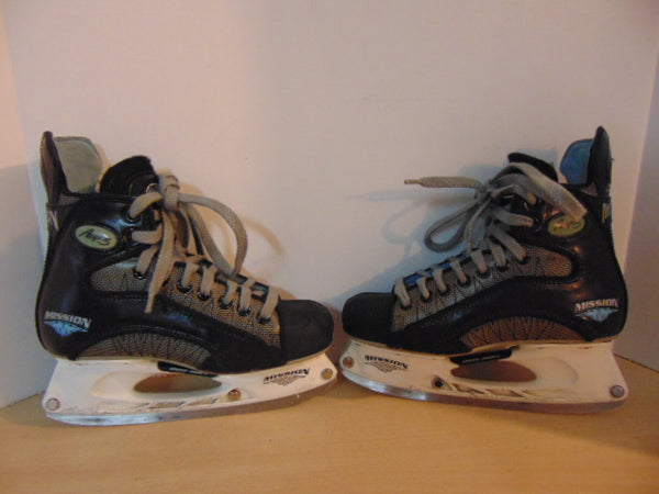 Hockey Skates Ladies Size 7.5 Mission Amp 3 Boot Is New