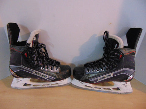 Hockey Skates Men's Size 6 Shoe Size Bauer X700 Some Wear and Scratches