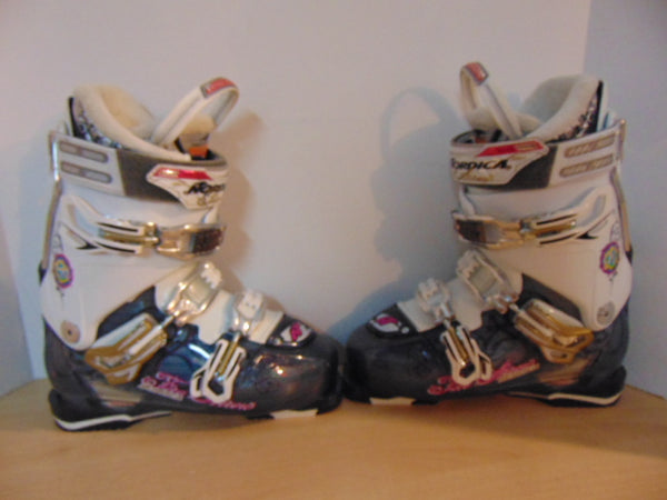 Ski Boots Mondo Size 25.5 Ladies size 8.5  298 mm Nordica FireArrow Ocean Blue White New Demo Model