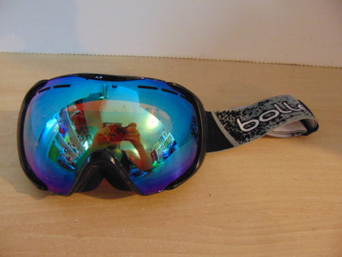 Ski Goggles Adult Size Bolle Grey Black With Blue Mirrored Lense Minor Wear