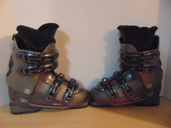 Ski Boots Mondo Size 24.0 Men's Size 6 Ladies Size 7 280 mm Nordica T22 Black Grey Red Excellent