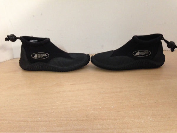 Snorkel Dive Surf Booties Child Size  10 Shoe Size MEC Black Neoprene Excellent