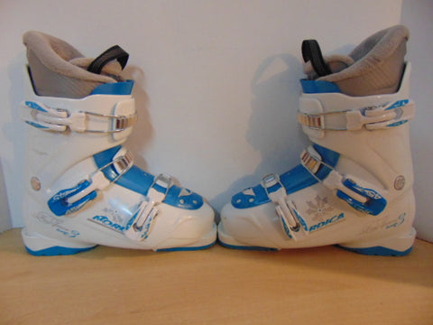 Ski Boots Mondo Size 24.5 Ladies size 7.5  290 mm Nordica FireArrow Blue White Excellent