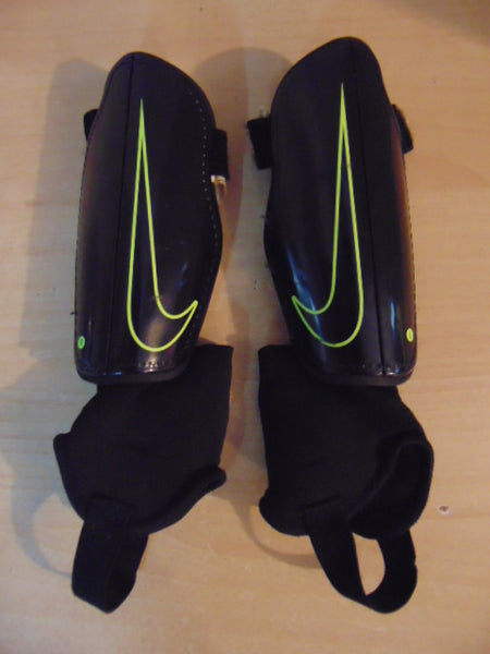 Soccer Shin Pads Child Size Small Age 4-6 Nike Black Lime