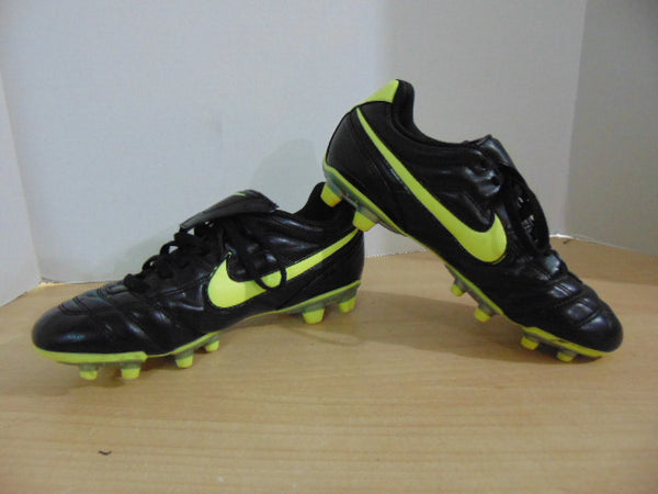 Soccer Shoes Cleats Men's Size 6 Nike Tiempo Black Green