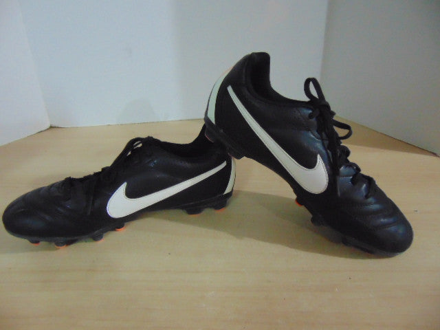 huge selection of 8e8fa 34244 Soccer Shoes Cleats Men's Size 6 Nike Tiempo Black Orange