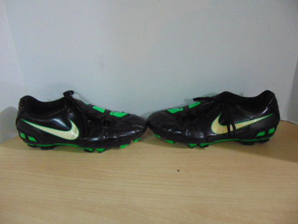 Soccer Shoes Cleats Men's Size 6 Nike Total 90 Green Black