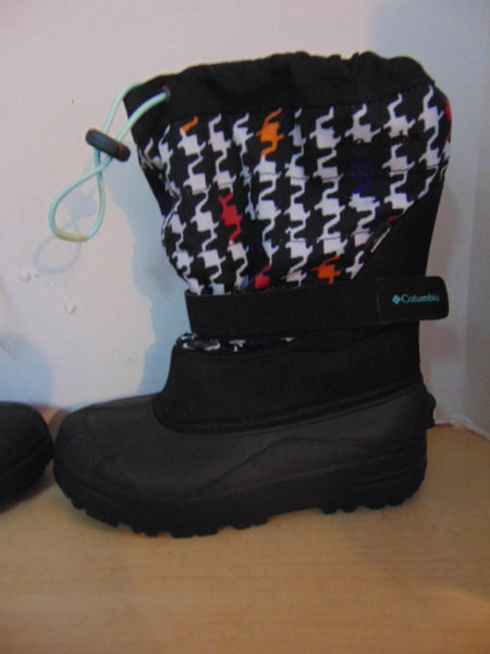 Winter Boots Child Size 5 Youth Columbia Multi Print and Black With Liners New Demo Model