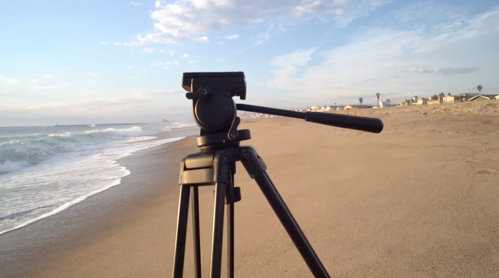Zhiyun Crane camera stabilizer and Somita St-650 Tripod take a beach day!