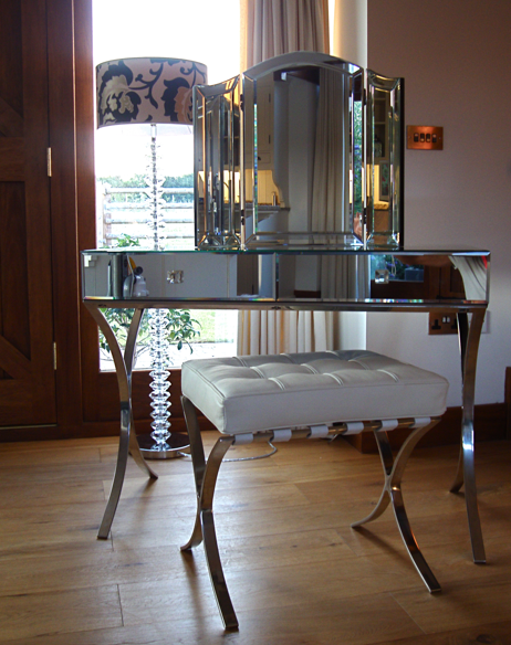 Mirrored Vanity Table And Stool: Mirrored Barcelona Dressing Table And Stool Set
