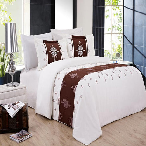 King/Calking Eleanor Embroidered 3-Piece Duvet cover Set