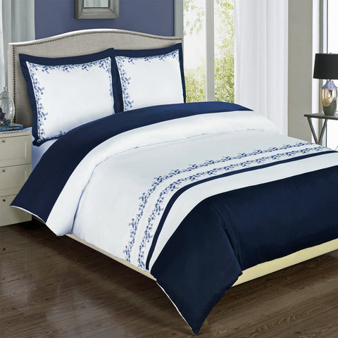 King/Calking Navy/White Amalia Embroidered Comforter Set
